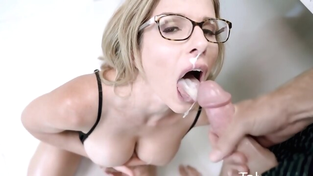 anal Mom In Glasses Is Ready For An Anal Adventure In The Kitchen With A St - Cory Chase facial